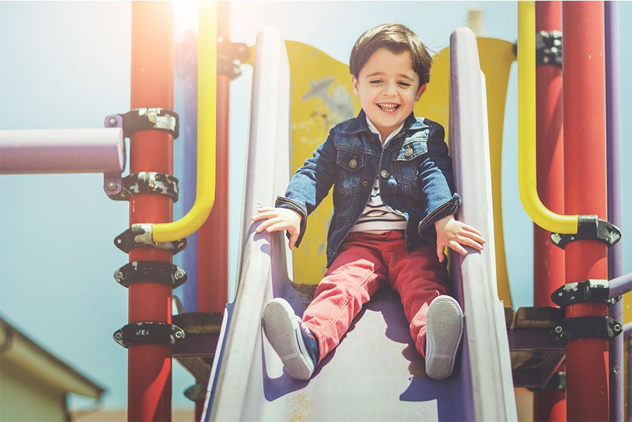 Juegos infantiles para tu kinder: checklist de seguridad y calidad