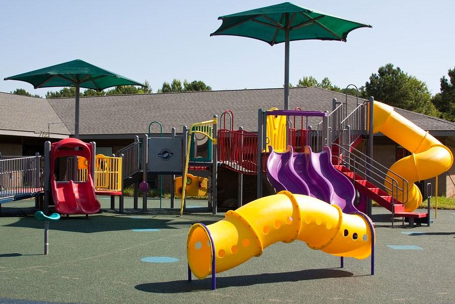 Ventajas de contar con área de juegos infantiles en centros comerciales